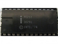IC uP P [8080] P8212 Intel