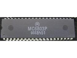 IC uP MPU [6803] MC6803P Motorola
