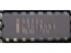 IC uP P [8080] D8224 Intel