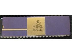 IC uP MPU [6800] MC6800L Motorola