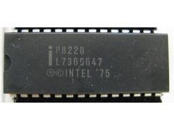 IC uP P [8080] P8228 Intel